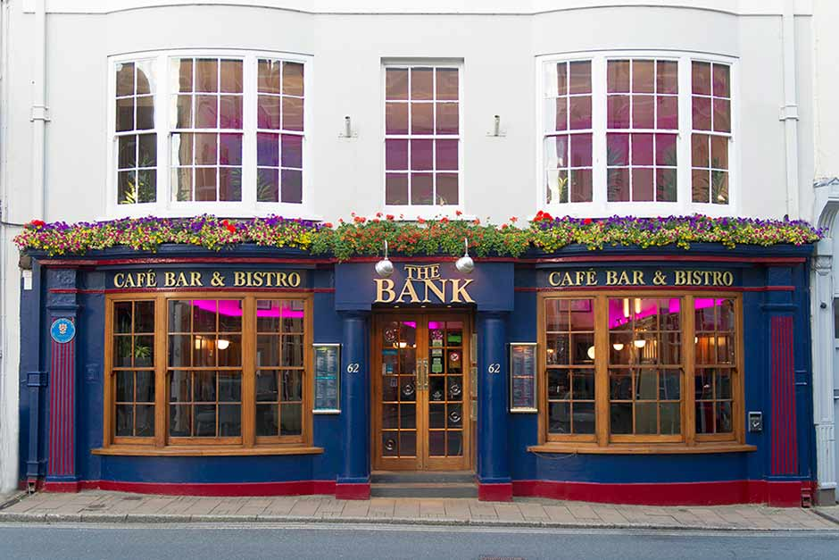 North Devon Holiday Cottages. 62 The Bank, Barnstaple